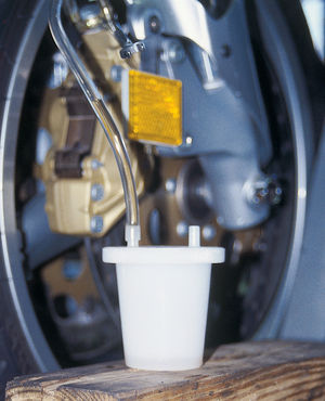 how to bleed motorcycle brakes
