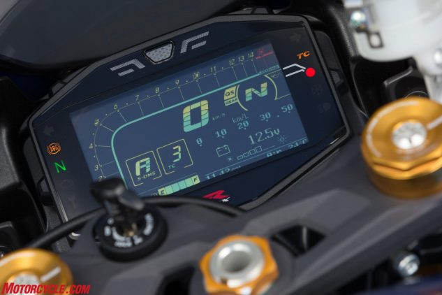 Fully featured LCD instrumentation is part of the L7 GSX-R1000 experience. It includes displays for ride modes, TC, fuel remaining and mileage, ambient temperature and a gear-position indicator, among other readouts. The tachometer hump plateaus at the 6000-rpm mark, while a white shift light at the top center of the gauge illuminates as redline approaches.