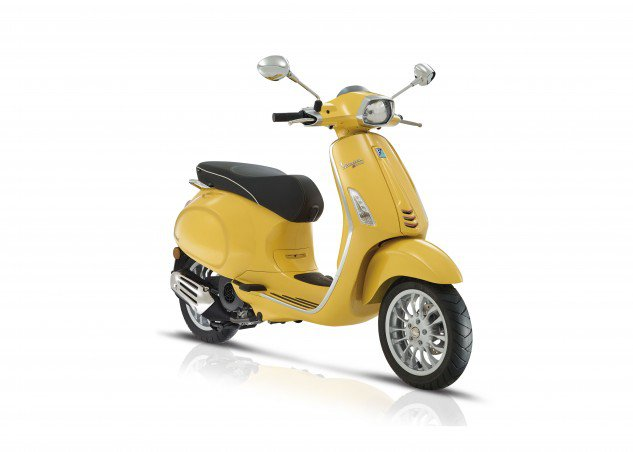 The Sprint is the same scooter as the Primavera, practically, with big 12-inch wheels and tires instead of 11-inch ones