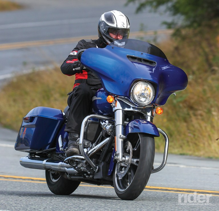 Difference Between Street Glide And Road Glide >> A test of 2017 Harley-Davidson Street Glide - Motorcycle-Control Skills Tips