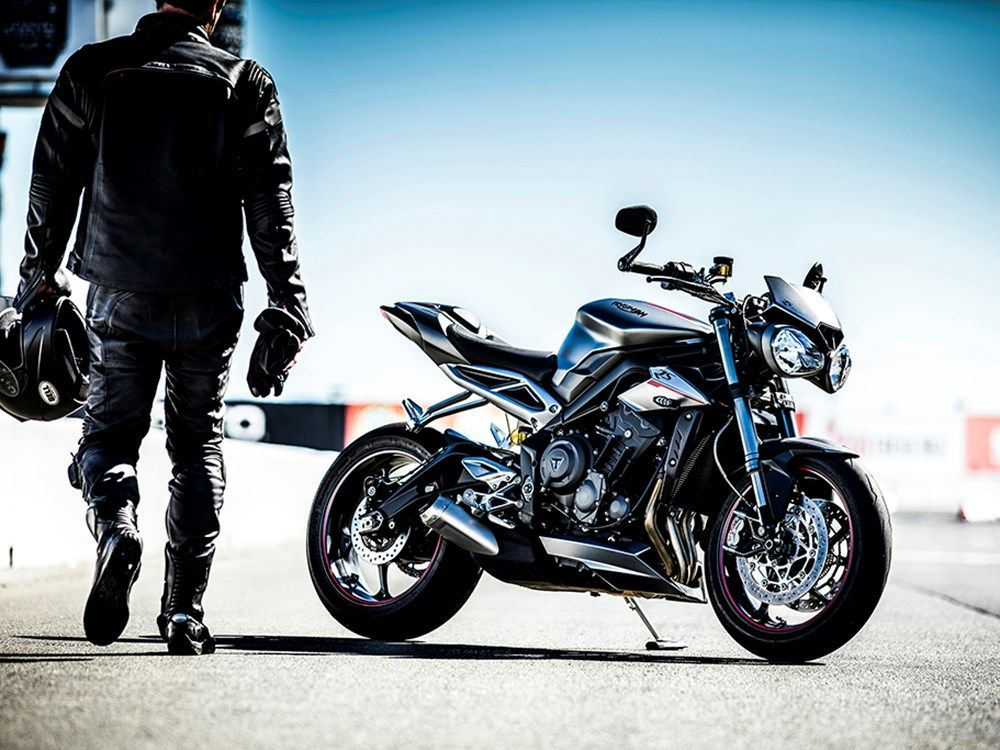 The new Street Triple's lines are more contemporary and aggressive, with new bodywork and a sportier twin seat