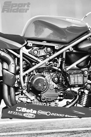Carl Fogarty's Ducati 996 engine and chassis