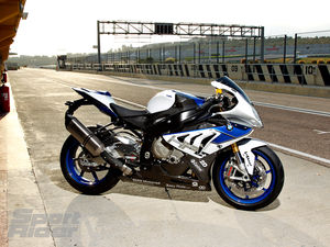 BMW, HP4, Dynamic Damping Control, Suspension, electronic suspension adjustment